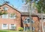 Foreclosed Home en DEERCLIFF RD, Avon, CT - 06001