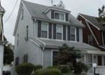 Foreclosed Home en 208TH ST, Queens Village, NY - 11429