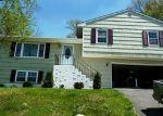 Foreclosed Home en WHITE BIRCH DR, Waterbury, CT - 06708