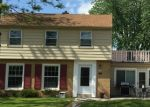 Foreclosed Home en W AUER AVE, Milwaukee, WI - 53222
