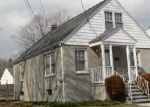 Foreclosed Home en RIVERSIDE DR, Fairfield, CT - 06824