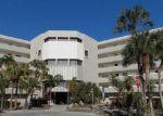 Foreclosed Home en NE 170TH ST, North Miami Beach, FL - 33160