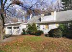 Foreclosed Home en SEMINOLE CIR, West Hartford, CT - 06117