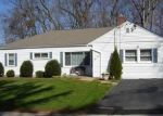 Foreclosed Home en GREEN MANOR RD, Manchester, CT - 06042