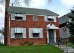 Foreclosed Home en S 10TH ST, Milwaukee, WI - 53215