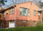 Foreclosed Home en PARKVIEW AVE, Meriden, CT - 06451