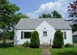 Foreclosed Home en CLEMENT RD, East Hartford, CT - 06118