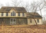 Foreclosed Home en CHOWANEC RD, Columbia, CT - 06237