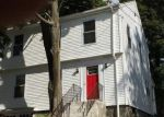 Foreclosed Home en CLINTON ST, Waterbury, CT - 06710