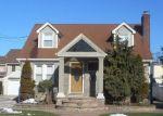 Foreclosed Home en DARLING ST, Baldwin, NY - 11510