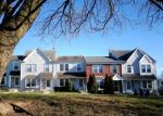 Foreclosed Home en GREENTREE LN, Norristown, PA - 19403
