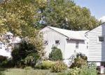 Foreclosed Home en KALMIA LN, Valley Stream, NY - 11581