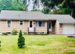 Foreclosed Home en RIVER ST, Moosup, CT - 06354