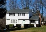 Foreclosed Home en HIGH VIEW CIR, Danbury, CT - 06811