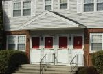 Foreclosed Home en BOOTH ST, Stratford, CT - 06614