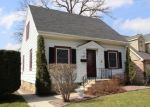 Foreclosed Home en S 89TH ST, Milwaukee, WI - 53214