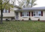 Foreclosed Home en CINEMA DR W, Hanover Park, IL - 60133