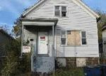 Foreclosed Home en S 5TH PL, Milwaukee, WI - 53204
