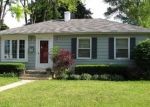 Foreclosed Home en W CENTER ST, Milwaukee, WI - 53222