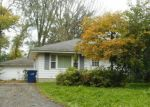 Foreclosed Home en N 44TH ST, Milwaukee, WI - 53223