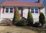 Foreclosed Home en RAYMOND DR, Meriden, CT - 06451