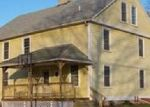 Foreclosed Home en SAM CHIKAN RD, Jewett City, CT - 06351