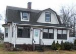 Foreclosed Home en SILVER LN, East Hartford, CT - 06118