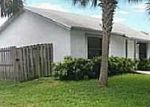 Foreclosed Home en PARKSIDE CIR, Lake Worth, FL - 33461