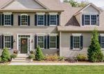 Foreclosed Home en HEMLOCK TRL, Ellington, CT - 06029