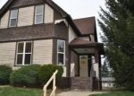 Foreclosed Home en E RUSSELL AVE, Milwaukee, WI - 53207