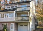 Foreclosed Home en GRANNIS ST, East Haven, CT - 06512