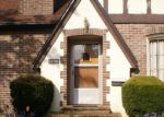 Foreclosed Home en RAINIER AVE, Bremerton, WA - 98312