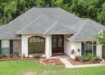 Foreclosed Home in OAK POINT DR, La Place, LA - 70068