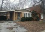 Foreclosed Home en MINERVA AVE, Dolton, IL - 60419