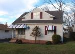 Foreclosed Home en RAYMOND ST, Maple Heights, OH - 44137