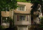 Foreclosed Home en HUNTINGTON TPKE, Trumbull, CT - 06611