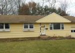 Foreclosed Home en CUSTER DR, Windsor, CT - 06095