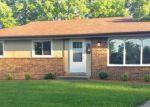 Foreclosed Home en W WREN CT, Milwaukee, WI - 53225