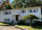 Foreclosed Home en FALLON DR, North Haven, CT - 06473