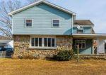 Foreclosed Home en PHILLIPS ST, Plainfield, CT - 06374
