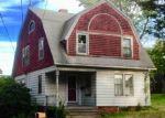 Foreclosed Home en HOERLE CT, Plainville, CT - 06062