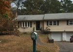 Foreclosed Home en LANSING AVE, Trumbull, CT - 06611