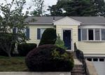Foreclosed Home en S END RD, East Haven, CT - 06512