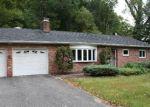 Foreclosed Home en OAK RIDGE RD, Bethel, CT - 06801