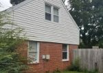 Foreclosed Home en E RUSSELL RD, Hampton, VA - 23666