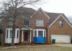 Foreclosed Home en ROLLING BANKS LN, Ellenwood, GA - 30294