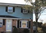 Foreclosed Home en EISENHOWER DR, Northampton, PA - 18067
