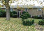 Foreclosed Home en DAVIS ST, Taylor, PA - 18517