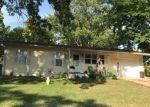 Foreclosed Home en TWIN OAK DR, Hillsboro, MO - 63050