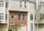 Foreclosed Home en BYWATYR LN, Bridgeport, CT - 06605
